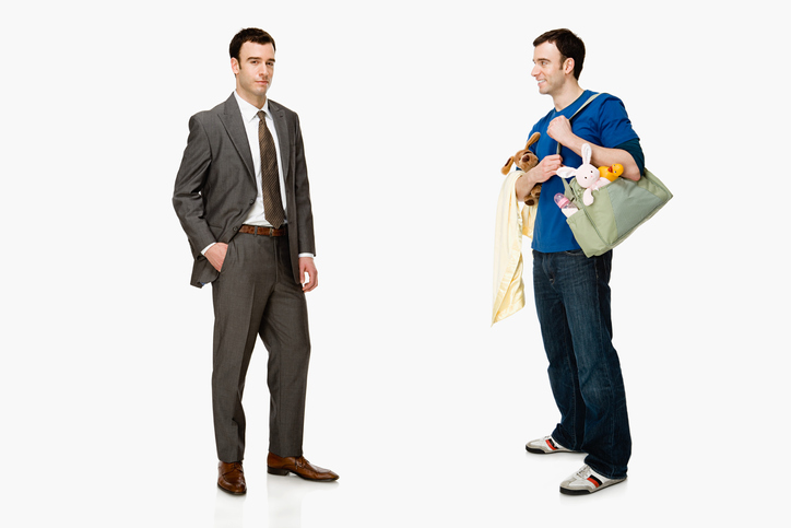 同じ男性でスーツとジーパン姿で印象が違う